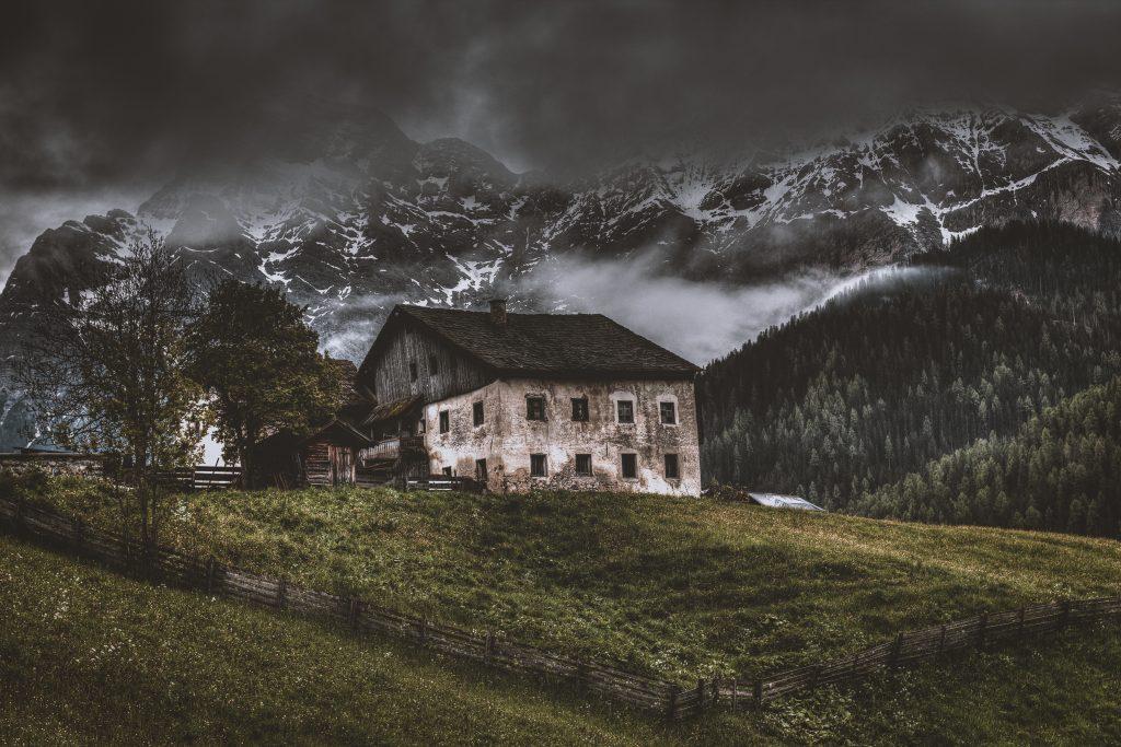 eberhard-grossgasteiger-675452-unsplash